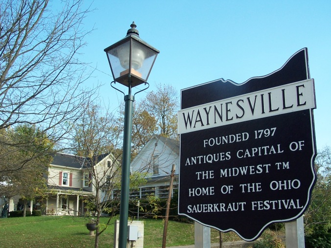 Chamber-Waynesville-sign-with-lamp